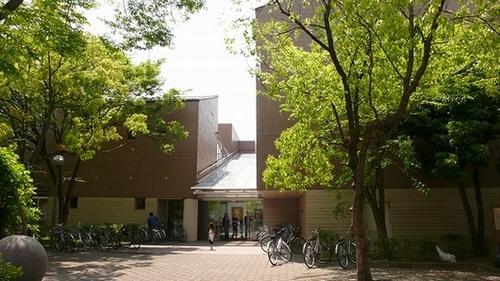 芦屋市立図書館 本館